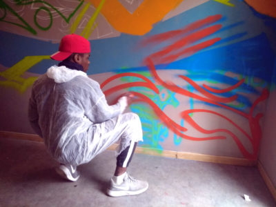Atelier graffiti au centre EPIDE de Marseille avec les artistes Enkage et Acet