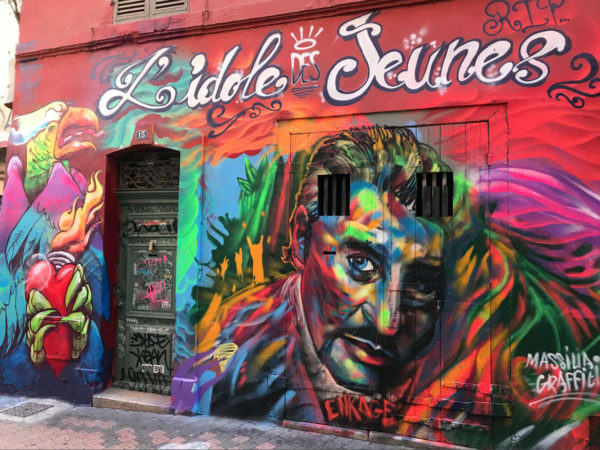 Fresque graffiti Cours Julien hommage à Johnny Hallyday par Enkage