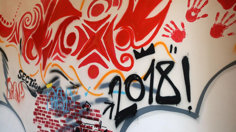 Atelier créatif adulte - 5 demies journées, les graffeurs Acet et Enkage, entre 5 et 10 volontaires au centre EPIDE de marseille pour une décoration en graff des murs du centre d'insertion.