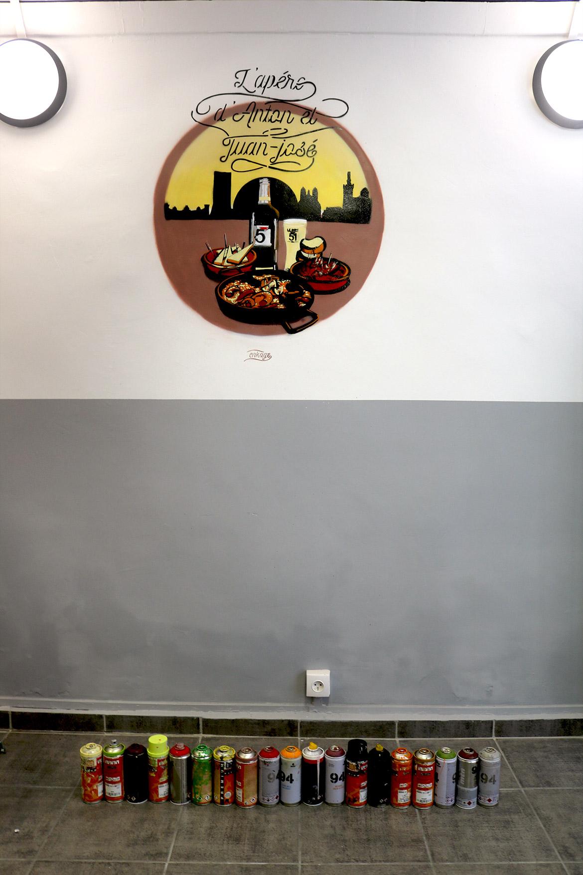 Décoration artistique d'intérieur au pochoir par le graffeur Enkage