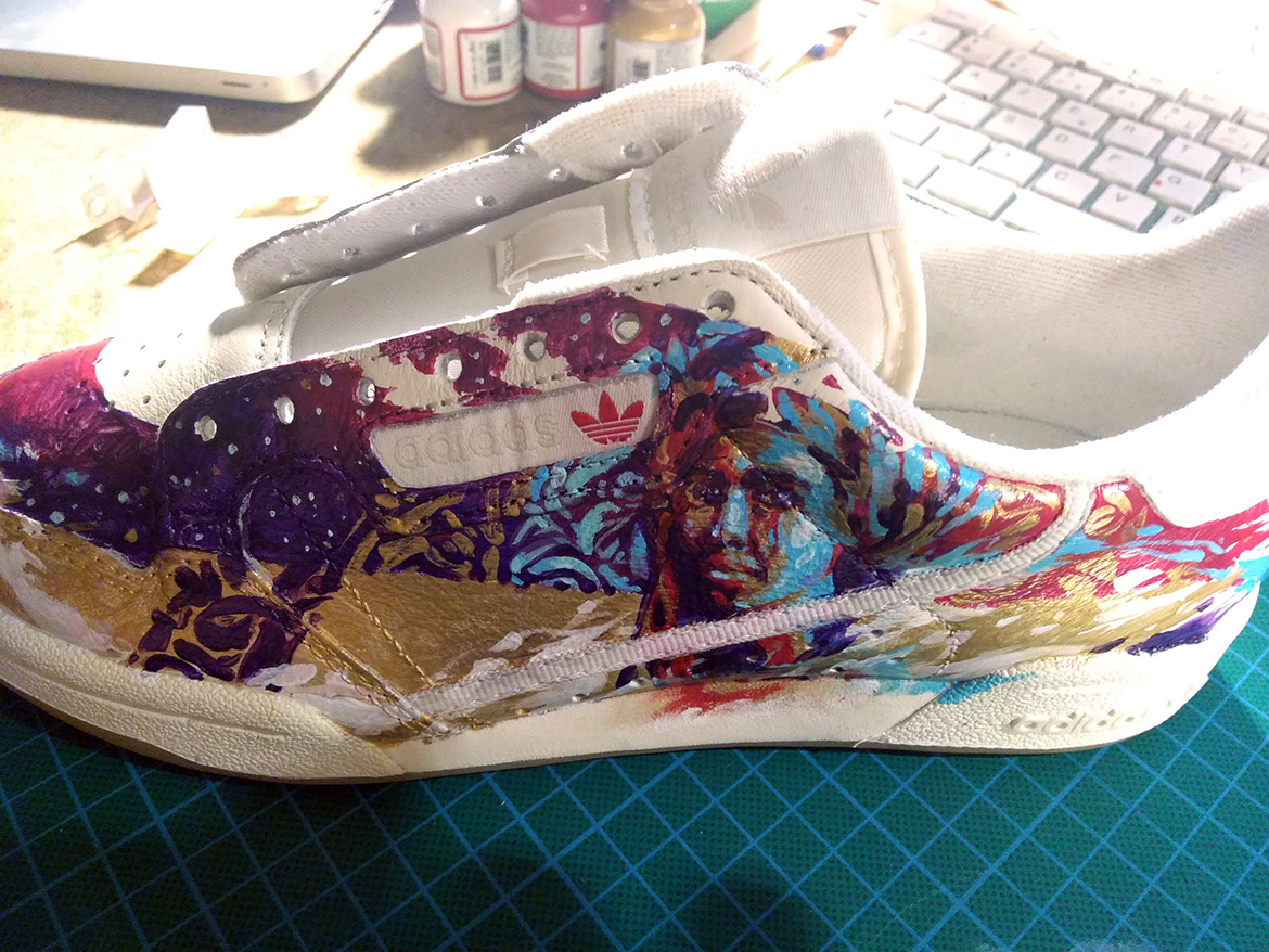 Customisation sneaker sur cuir : angelus painting pour Adidas continental 80