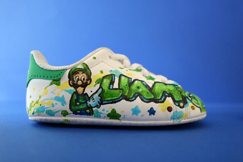 Fleur et couleurs pour cette sneaker tendance par Enkage