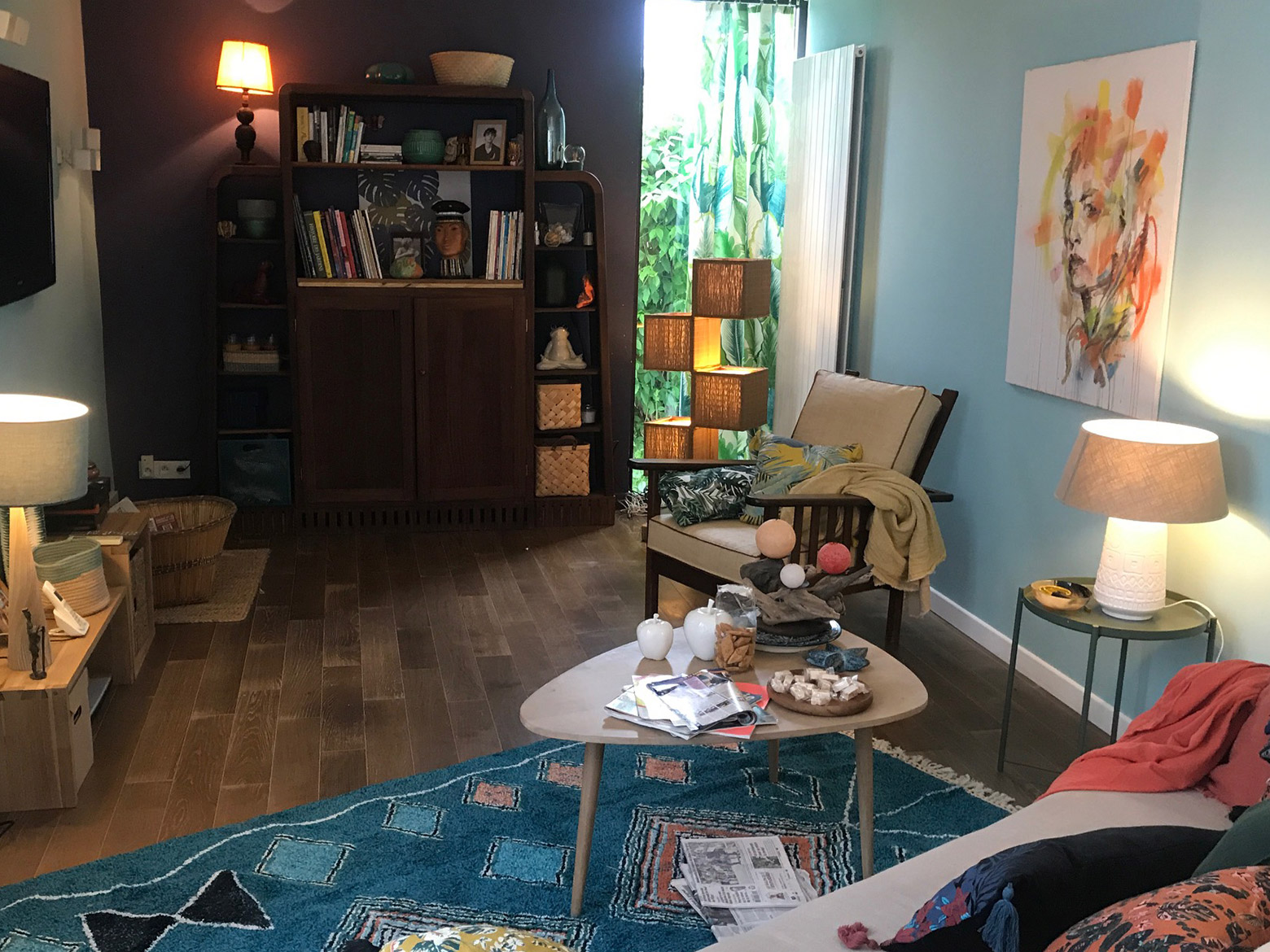 Location de peinture pour la décoration sur un tournage cinéma