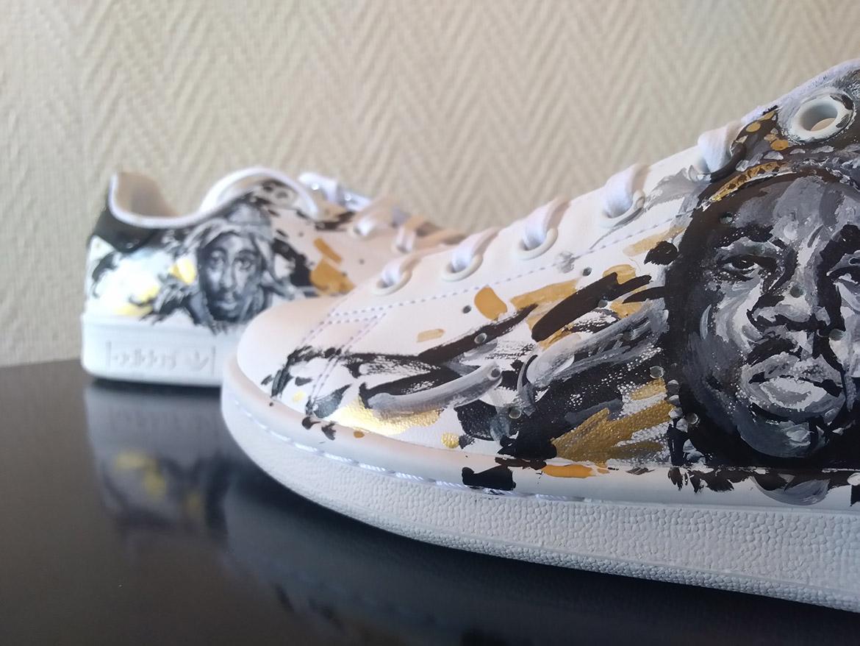 Custom de baskets Sneakers adidas: Portrait de notorious BIG et tupac en peinture