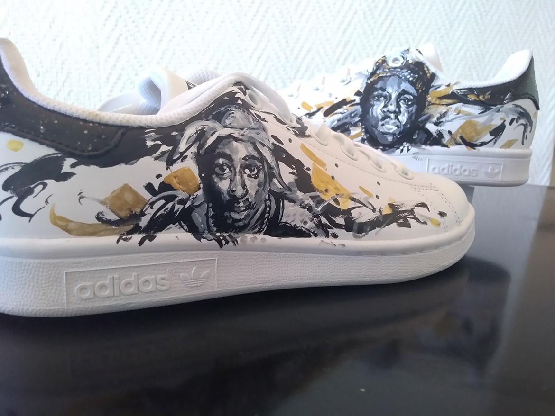 Custom de sneakers en peinture : 2pac (Tupac) et Notorious BIG par l'artiste Enkage