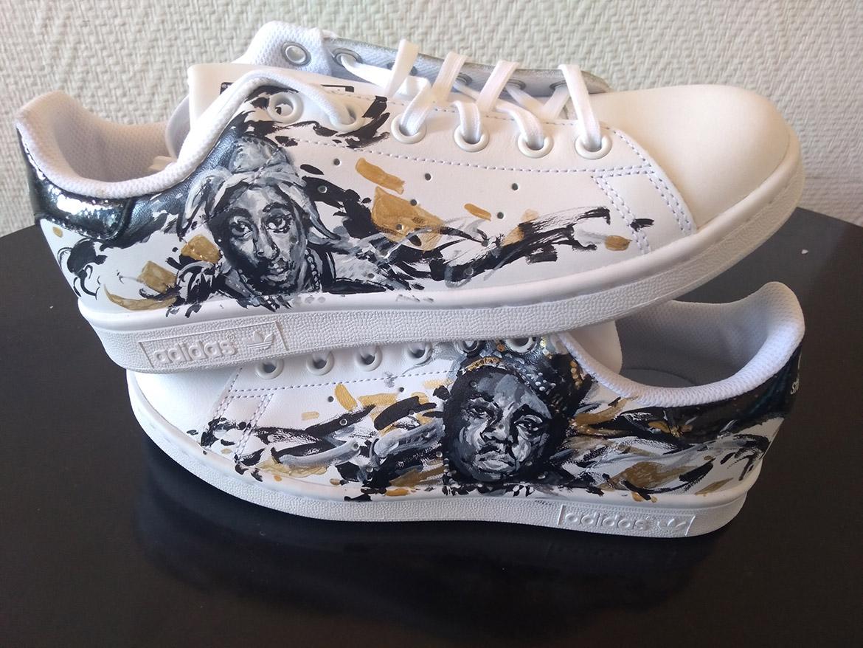 Customisation et peinture de sneakers Marseille Paris ou ailleurs en France par l'artiste Enkage (Modèle présenté: baskets Adidas avec Tupac et Biggie small)