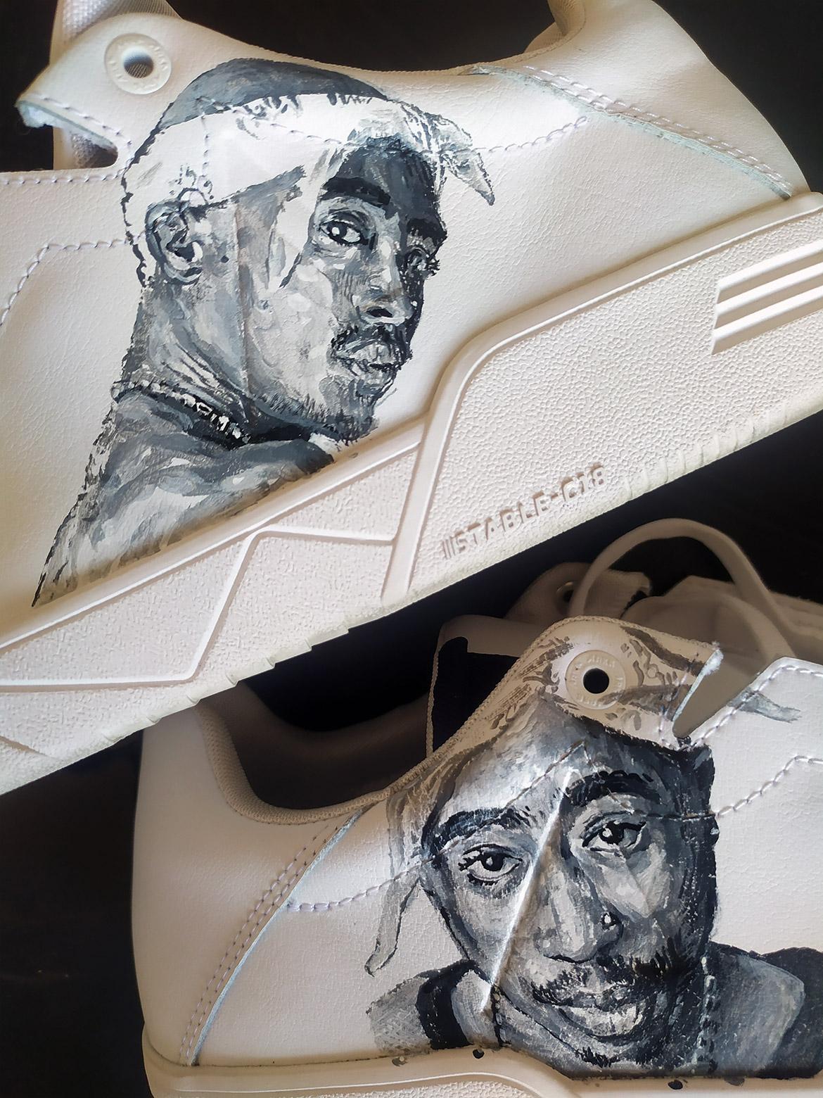 Sneakers en peinture: Tupac en customisation noir et blanc