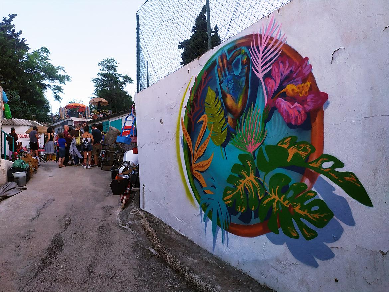 Street artiste Marseille fresque végétale dans un lieu urbex atypique Enkage