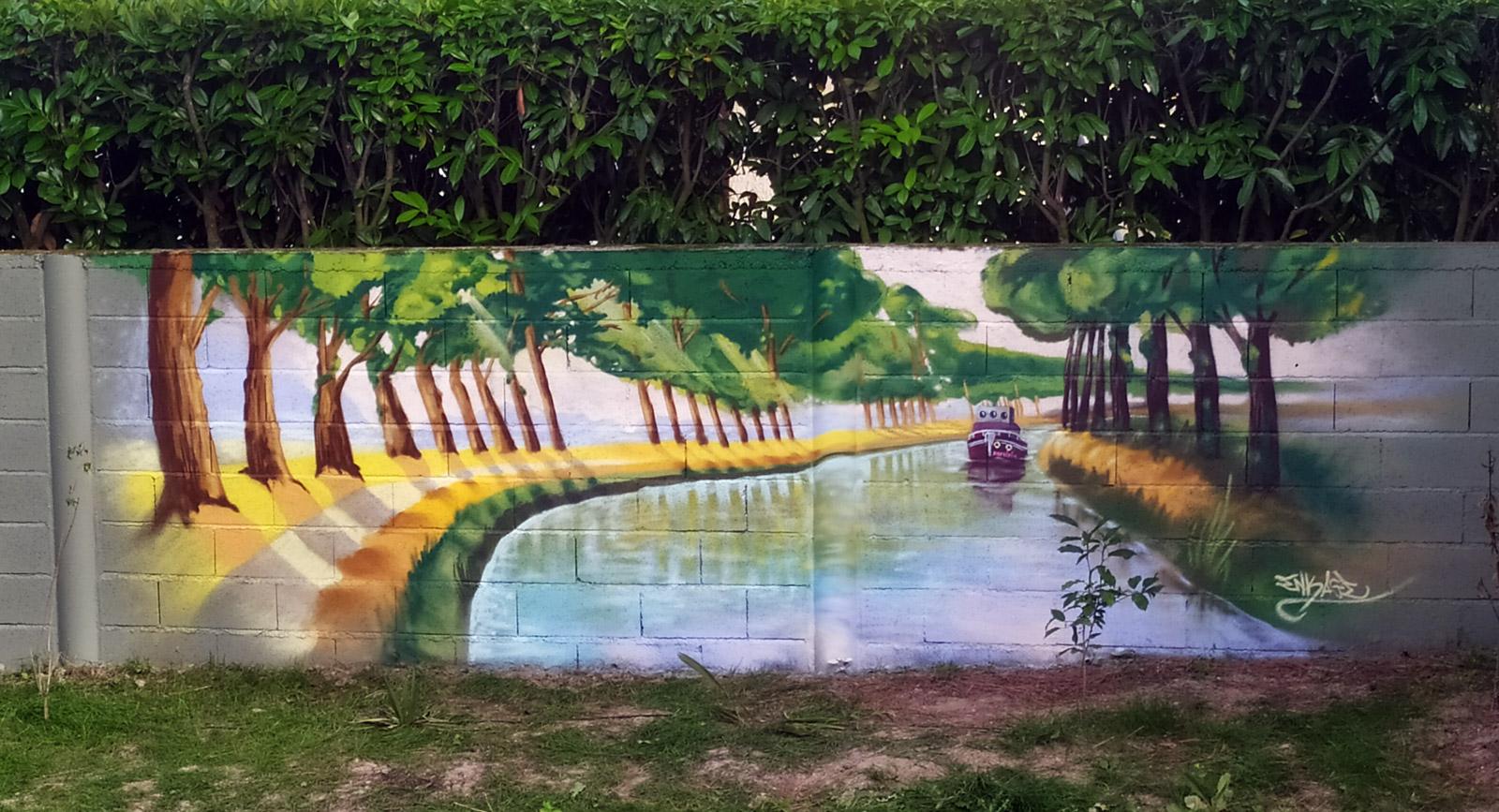 Décoration fresque murale en extérieur: Le Canal du midi en graffiti